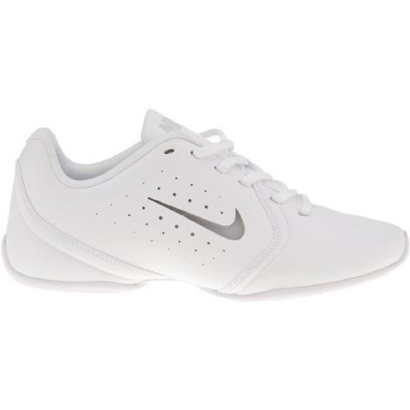 White Nike Cheer Shoes   Poshmark